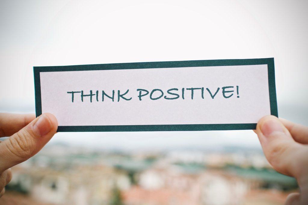 So bleiben Sie positiv in schwierigen Zeiten